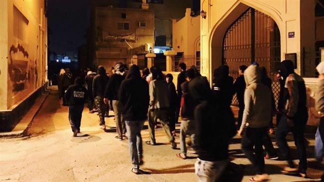 Photo of Bahrainis protest against Al Khalifah's crackdown on dissidents