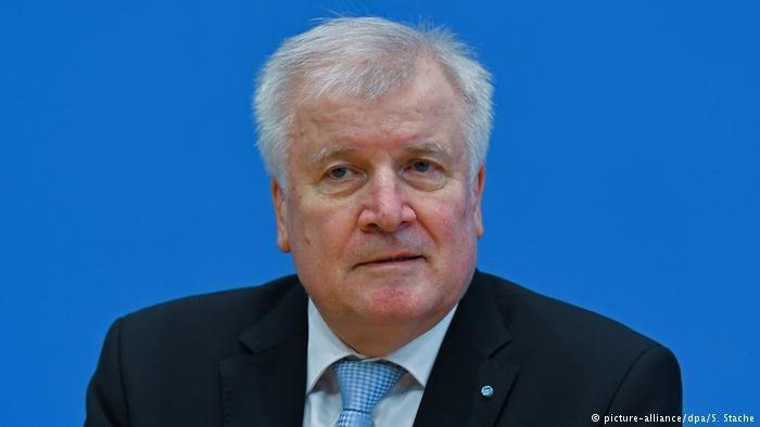 Photo of German minister's Islam comments criticized