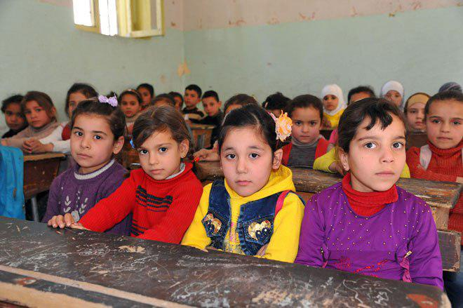 Photo of Nearly 12,000 students return to schools in Damascus Countryside towns + Photos