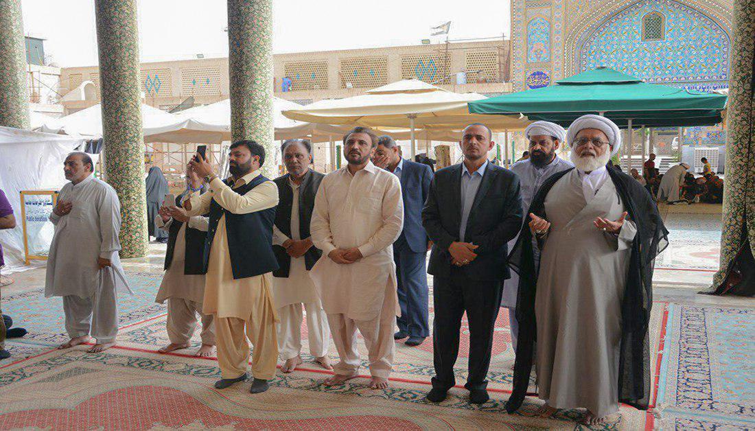 Photo of A Pakistani religious delegation visits Imam Ali holy shrine