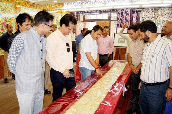Photo of Hundreds visit rare Quranic manuscripts exhibition in Kashmir