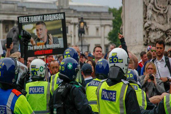 Photo of UK far-right clash with police at anti-Islam London rally