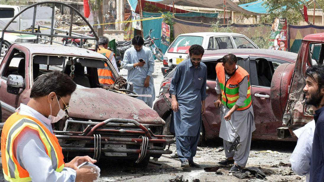 Photo of At least 31 people killed in explosion at a polling station in Quetta, Pakistan