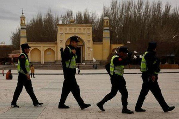 Photo of China extends crackdown on Muslims