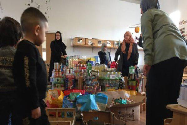 Photo of The Muslim families donating to food banks for Christmas