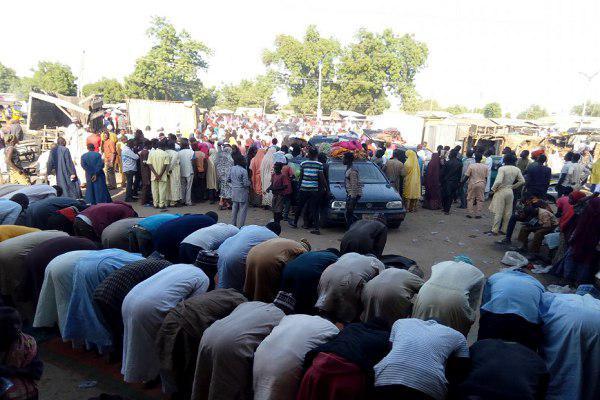 Photo of Hundreds flee Daesh attacks in NE Nigeria