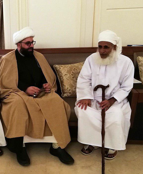 Photo of Representative of Grand Ayatollah Shirazi visits Sunni mufti in Oman
