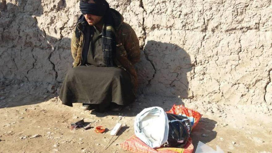 Photo of Taliban IED planter arrested in Herat province