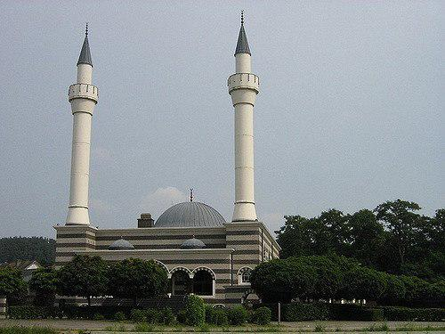 Photo of No new mosques in Flanders for five years, says Homans