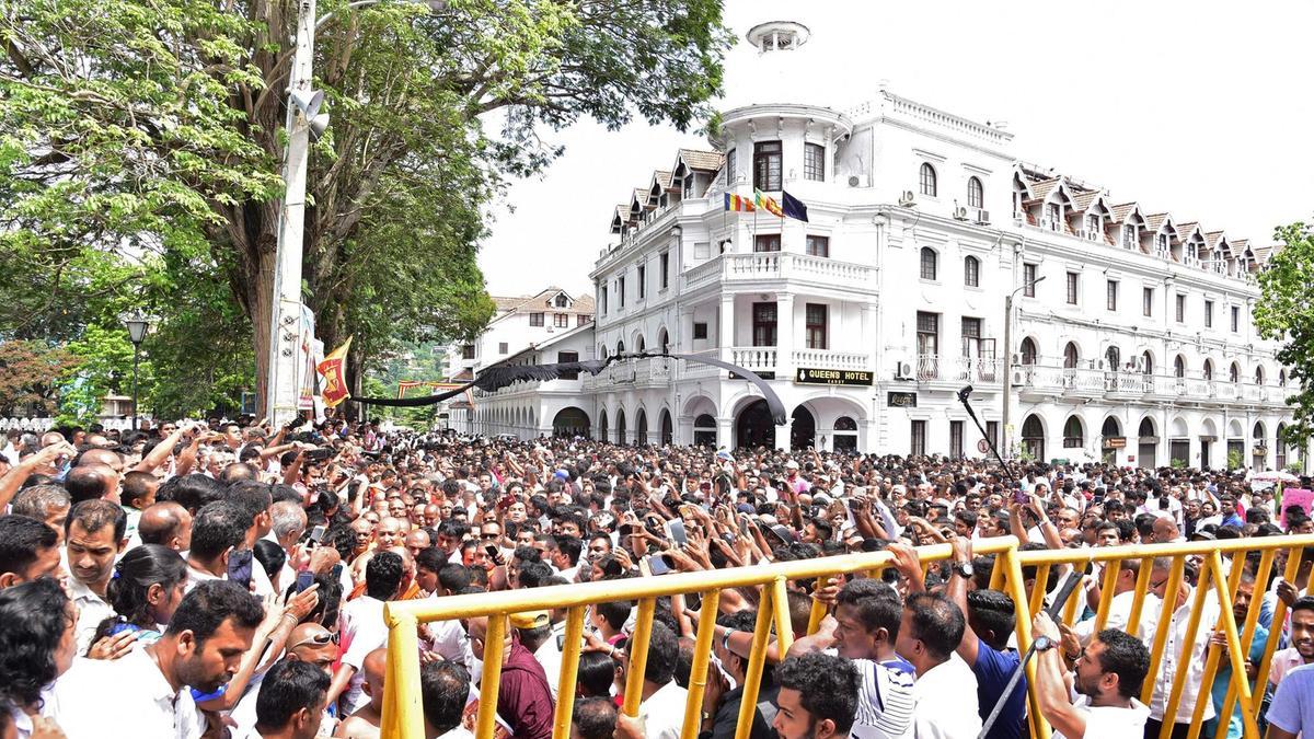 Photo of Protests over Muslim politicians grip Sri Lankan city