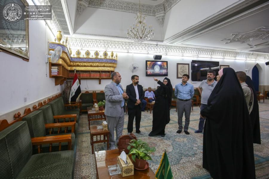 Photo of Italian archaeologists impressed by the landmarks of Imam Ali Holy Shrine