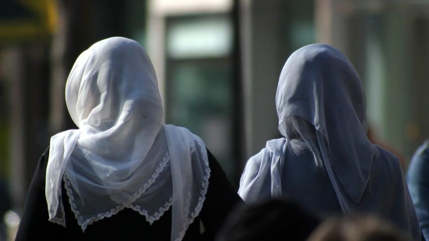 Photo of Nigerian school makes Muslim girls remove headscarves