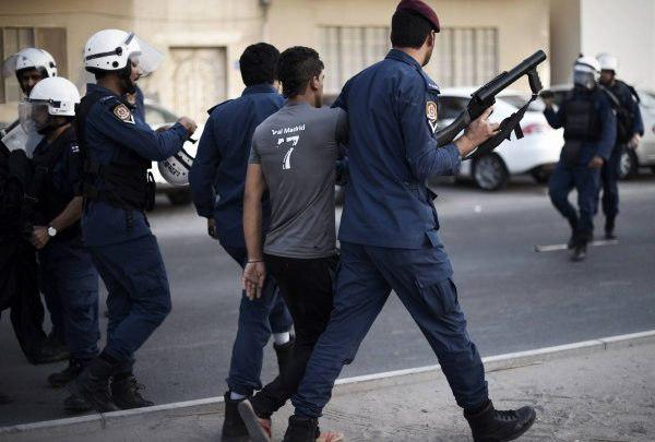Photo of Seven Bahrainis arrested after raiding their homes