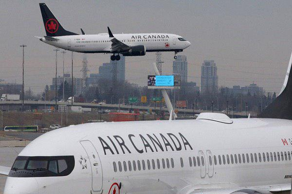 Photo of Air Canada blasted for allegedly asking girl, 12, to remove hijab before boarding