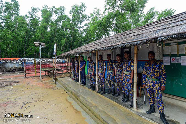 Photo of Bangladesh police shoot dead two Rohingya Muslims in refugee camp