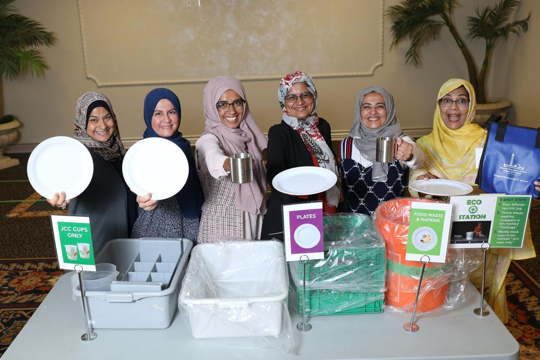 Photo of Muslim Eco ladies cut waste at Thornhill Mosque
