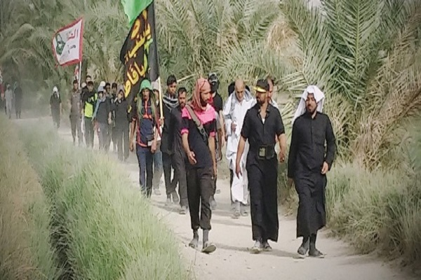 Photo of First group of pilgrims begin Arbaeen march