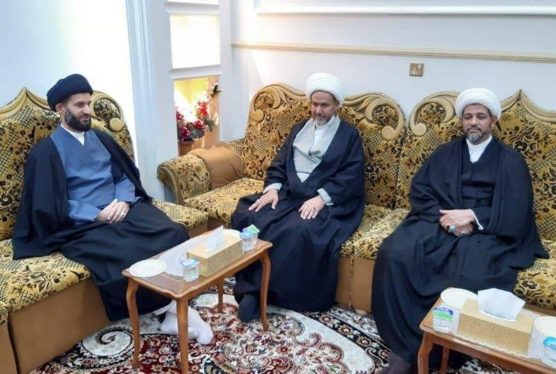 Photo of Delegation from the office of Grand Ayatollah Shirazi visits a number of honorable shrines in Babylon