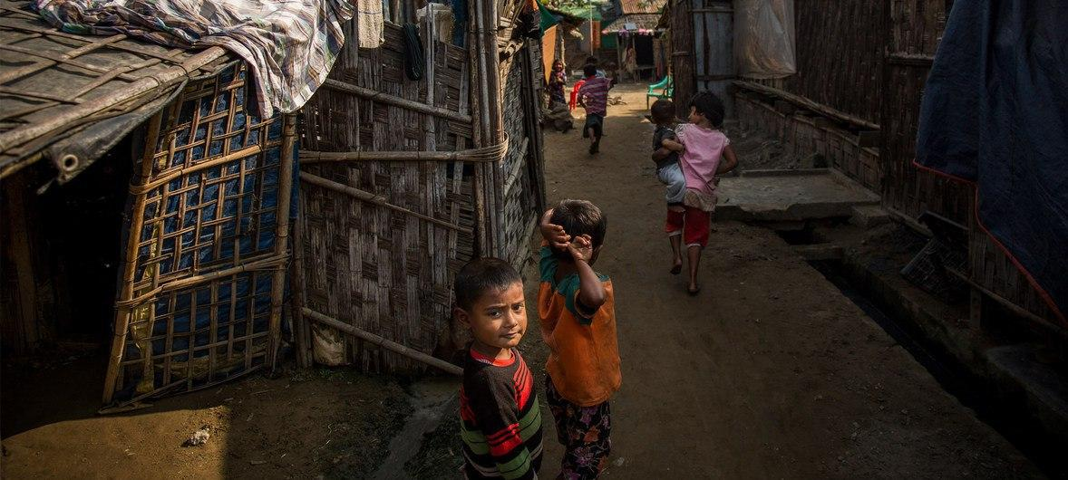 Photo of U.N. says mostly women and children among 32 killed as insurgents, Myanmar military clash