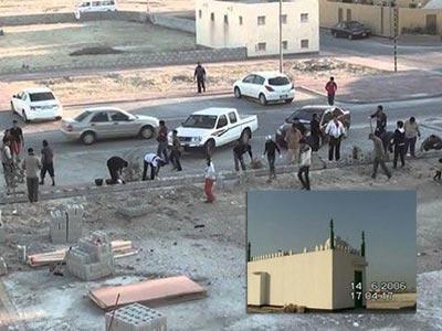 تصویر مسؤولان بحرینی درپی فرار از بازسازی مساجد تخریب شده هستند