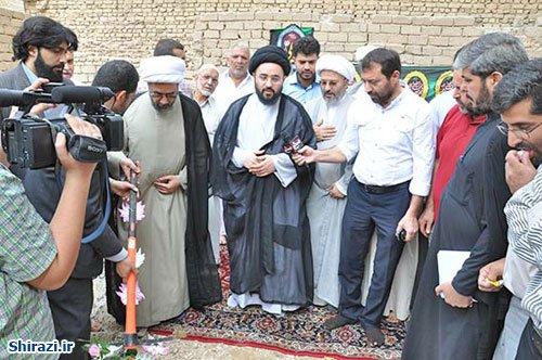 تصویر برگزاری مراسم آغاز به کار ساخت حسينيه و استدیوی شبكه جهاني امام حسين عليه السلام در کربلا
