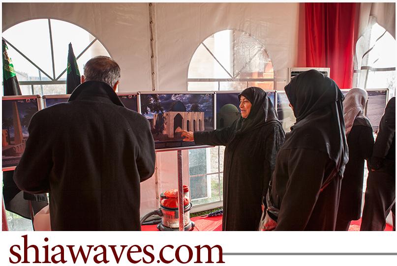 تصویر برپایی نمایشگاه تصاویر سه بعدی از حرم امام حسین علیه السلام در ترکیه