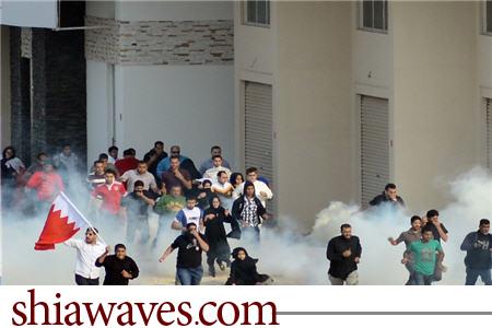 تصویر یورش نیروهای ال خلیفه به عزاداران شهادت رسول خدا  صلی الله علیه و آله در بحرین