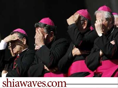 تصویر تبدیل کلیساهای مسیحی به مکانی برای عبادت شیطان