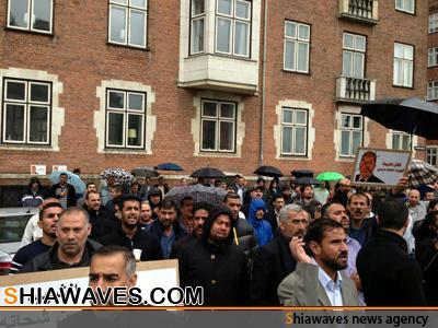 تصویر تجمع اعتراضی مسلمانان دانمارک مقابل سفارت مصر در این کشور