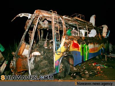 تصویر حمله به اتوبوس زائران شیعه در پاکستان