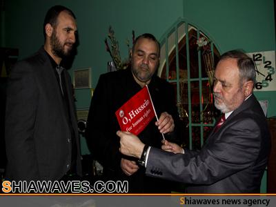 تصویر تشرف سفير روم در عراق به زيارت حرم مطهر امام حسين  عليه السلام