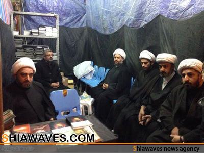 تصویر تأسیس خیمه های استفتائات آیت الله العظمی شیرازی در مسیر زائران اربعین