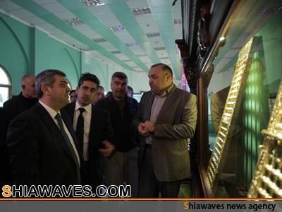 تصویر انتقال صندوقچه منتسب به حضرت زهرا سلام الله علیها، به موزه امام حسین علیه السلام