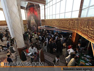 تصویر استقبال شهروندان پاکستانی از نمایشگاه دستاوردهای فرهنگی آستان مقدس عباسی