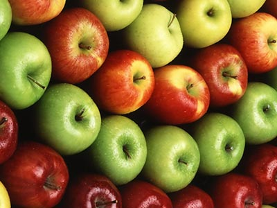 تصویر درمان بیماری های قلبی با مصرف سیب