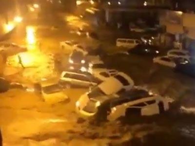 تصویر بارش شدید باران و جاری شدن سیل در مکه مکرمه