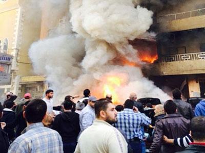 تصویر انفجار تروریستی در منطقه شیعه نشین ضاحیه، در جنوب بیروت