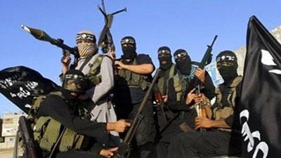 تصویر ممنوعیت قرائت قرآن کریم در مساجد توسط داعش