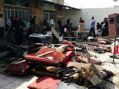 تصویر به آتش کشیدن حسینیهای در شهر ماهشهر ایران
