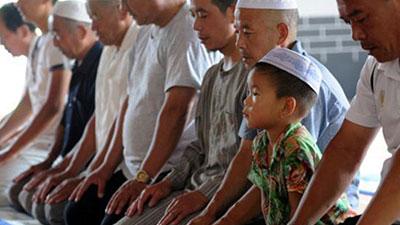 تصویر بیانیه موسسه جهانی مسلمان آزاد علیه سیاست های نژاد پرستانه چین