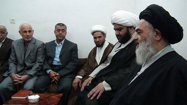 تصویر دیدار جمعی از اساتید دانشگاه بصره با آیت الله العظمی شیرازی