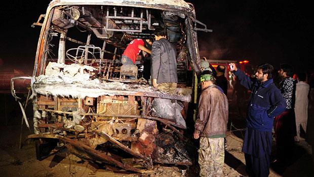 تصویر دهها کشته و زخمی طی حادثه رانندگی در پاکستان