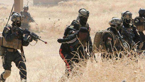 تصویر بازداشت دوتن از تروریستهای داعش که قصد ورود به کربلای معلی را داشتند