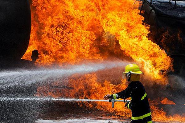 تصویر آتش سوزی در یک مرکز اسلامی در تکزاس