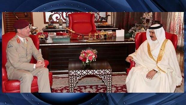 تصویر دیدار مشاور ارشد نظامی انگلیس با پادشاه و رئیس گارد ملی بحرین