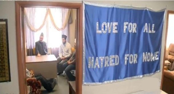 """تصویر طرح خود جوش مردمی """"با خانواده مسلمان آشنا شوید"""" در کانادا"""