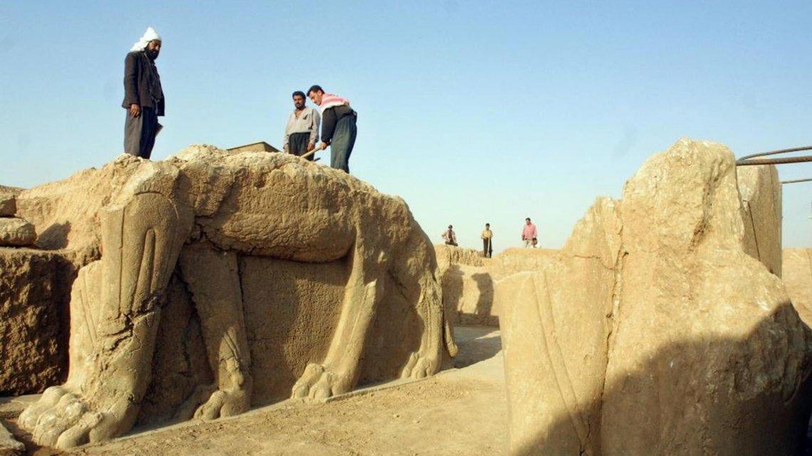 تصویر تخریب شهر باستانی نمرود به دست داعش