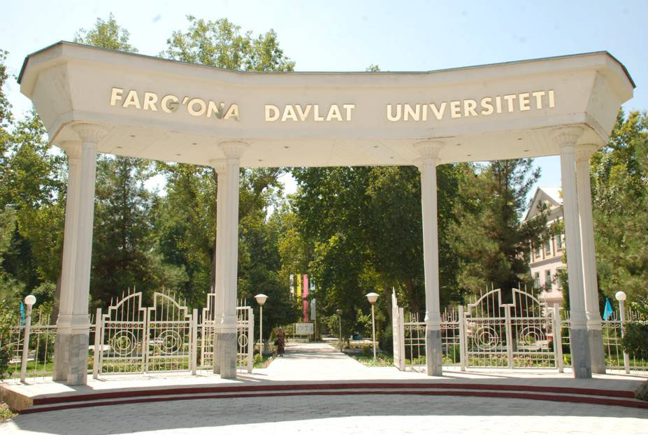 تصویر استفاده اجباری از کروات، پس از ممنوعیت حجاب در دانشگاههای ازبکستان