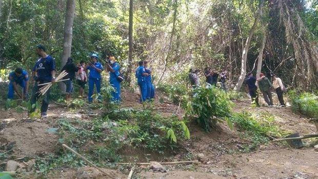 تصویر کشف دو اردوگاه قاچاقچیان انسان برای اسارت و شکنجه مسلمانان میانماری