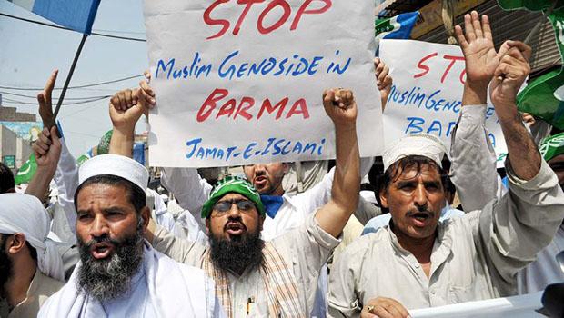 تصویر محکومیت دولت میانمار ، در تظاهرات مردم کراچی پاکستان